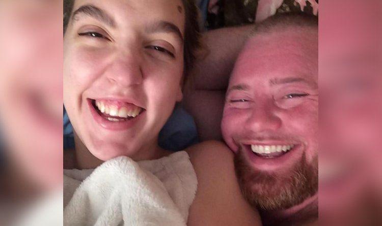 американец с молодой женой